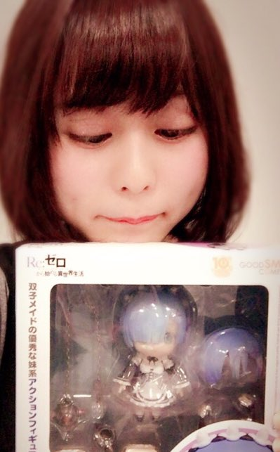 성우 미나세 이노리의 사진, 리제로의 '렘' 피규어 ..