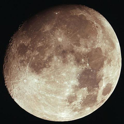 보름달과 쇼팽 야상곡