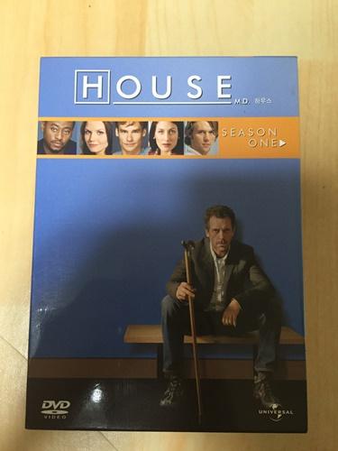 """""""하우스 M.D"""" DVD를 구했습니다."""