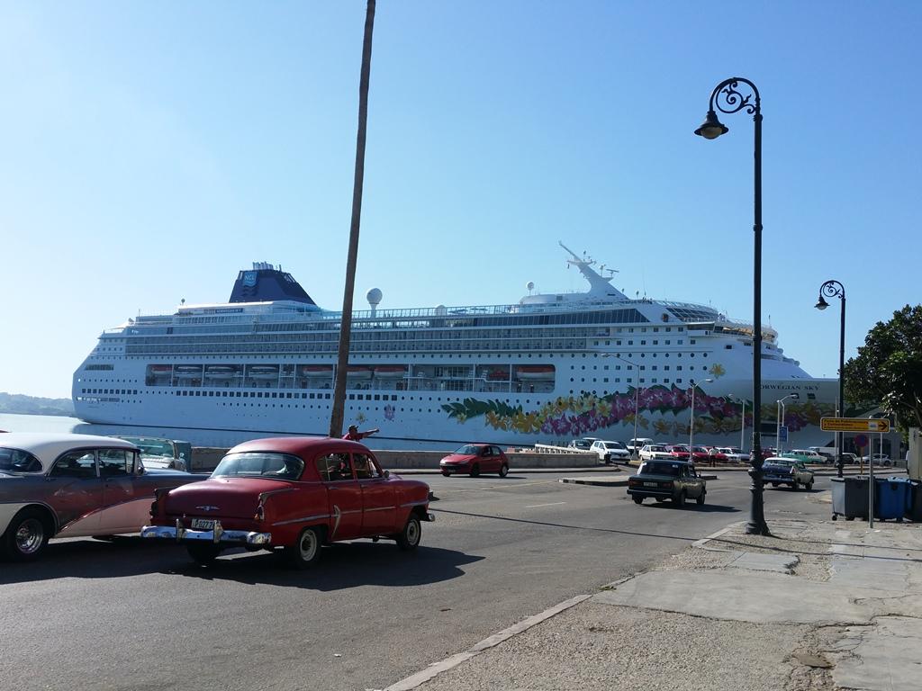 [쿠바] 크루즈 선박 입항