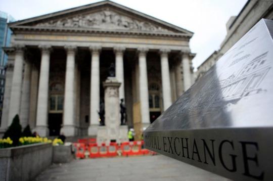 영국 중앙은행, 10년만에 최고 수준 금리인상 0.5%..